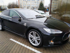 """=""""Tesla"""