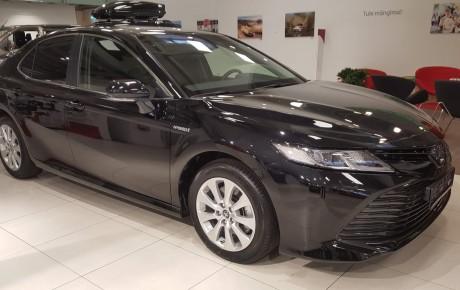 Täisteenusrent Toyota Camry Executive 2020