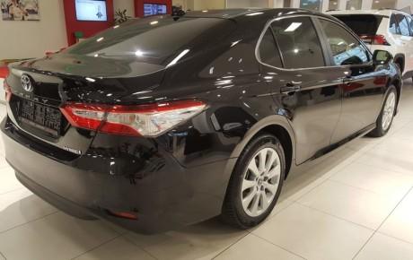 Täisteenusrent UUS Toyota Camry Executive