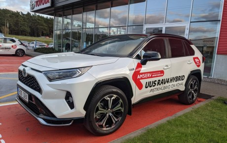 UUS Toyota rav4 plug-in hybrid rent